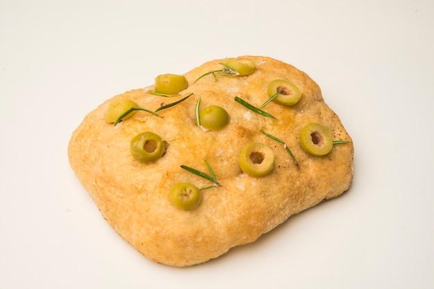 Łatwy chleb z rozmarynem i czosnkiem focaccia