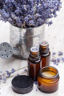 Lawendowe produkty do pielęgnacji ciała, spa i naturalna opieka zdrowotna
