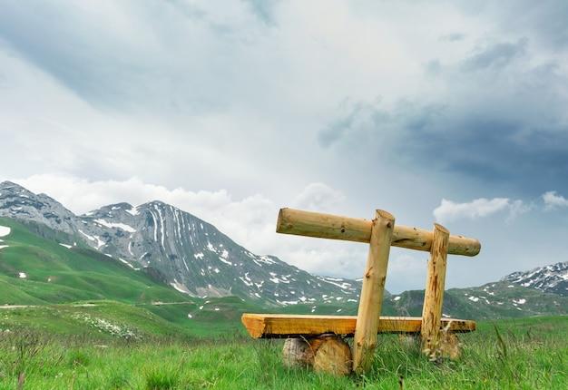 Ławka w górach