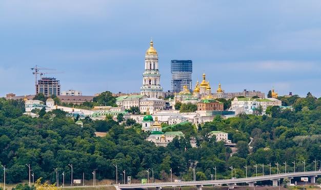 Ławra pieczerska w kijowie na ukrainie