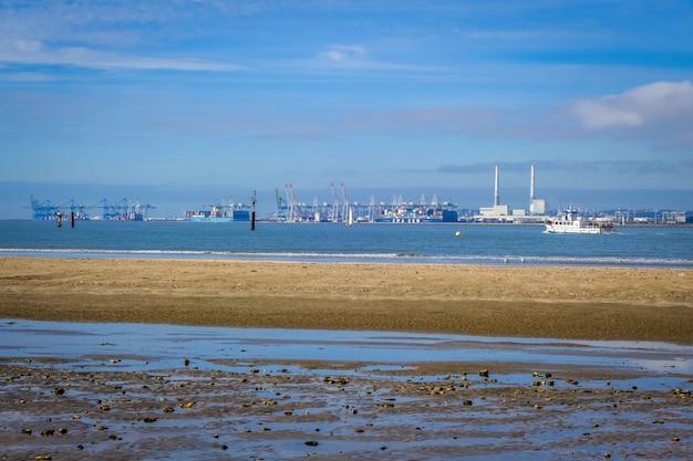 Le havre harbour, normandia, francja