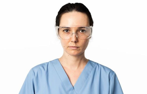 Lekarka w przezroczystych okularach