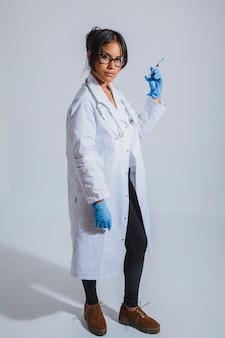 Lekarz i szczepionka