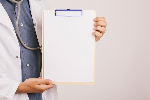 Lekarz pokazano schowka