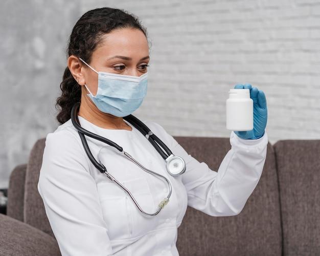 Lekarz prowadzący leczenie