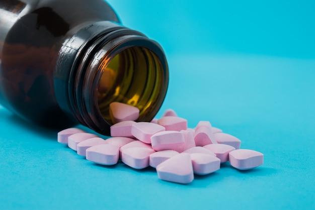 Leki w kolorze niebieskim