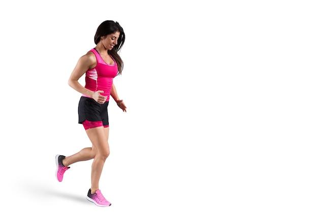 Lekkoatletyczna kobieta biegacz w odzieży sportowej