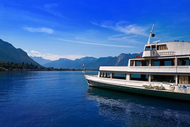 Lemańska lemańska jeziorna łódź w szwajcaria