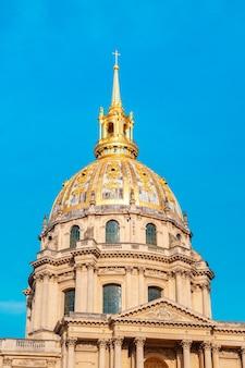 Les invalides to kompleks muzeów i zabytków paryża, wojskowa historia francji.