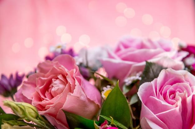 Letni bukiet kwiatów z bliska