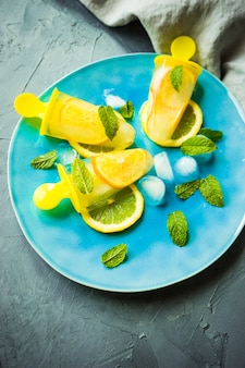 Letni deser z cytryną