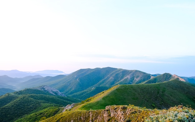 Letni krajobraz górski