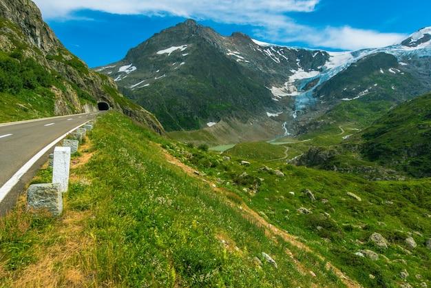 Letnia alpejska droga