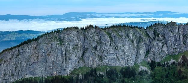 Letnia panorama tatr, polska, skała pod kasprowym wierchem