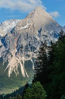 Letnie alpy górski skalisty widok z góry, austria