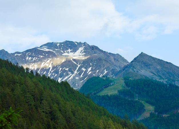 Letnie góry alp, austria, widok na włoskie dolomity