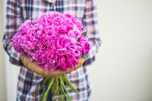 Letnie kwiaty z piwonii