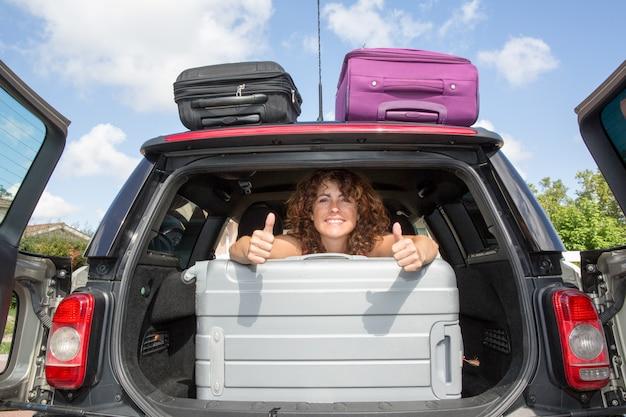 Letnie wakacje, podróże - gotowe do podróży na letnie wakacje