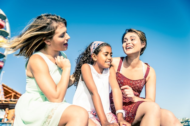 Libańskie matki z adoptowaną córką