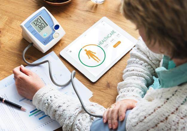 Licznik kalorii zdrowie dieta koncepcja aplikacji