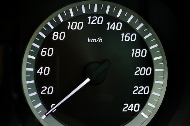 Licznik kilometrów deski rozdzielczej prędkości nowoczesny samochód