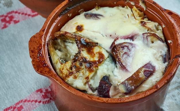 Lidaka un ola - szczupak pieczony w ceramice, kuchnia litewska