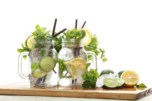 Lime lemon soda mięta rozmaryn świeży napój letni orzeźwienie