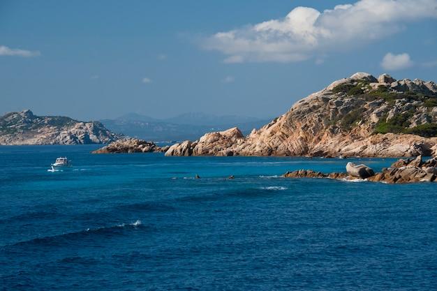 Linia brzegowa wyspy budelli