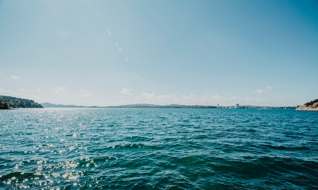Linia horyzontu jeziora