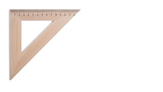 Linijka trójkąta na białym tle.