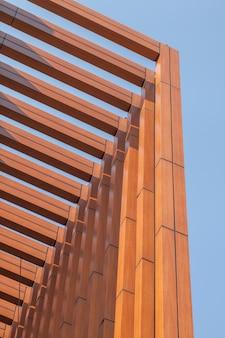 Listwy drewniane listwy nowoczesnego budynku
