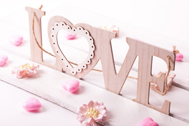 Listy miłosne na drewnianym