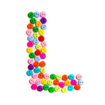 Litera l alfabetu angielskiego z grupy kolorowych małych przycisków na białym tle