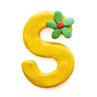 Litera s alfabetu angielskiego z plasteliny