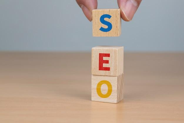 Litery seo oznaczają na nich optymalizację wyszukiwarek