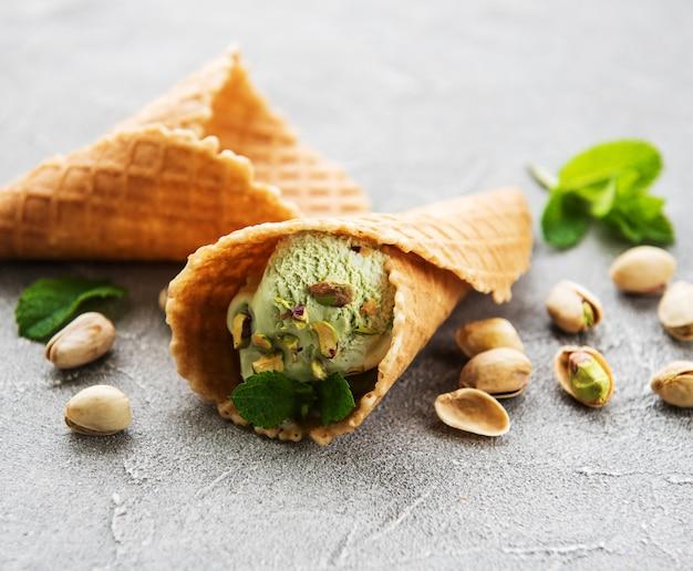 Lody pistacjowe i mięta
