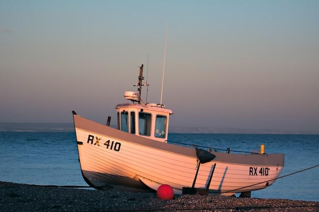 Łódź rybacka na plaży dungeness