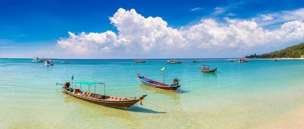 Łódź rybacka na wyspie phangan