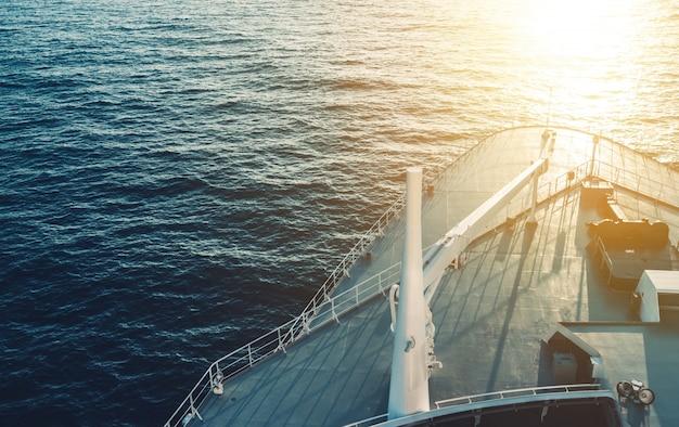 Łódź statek wycieczkowy