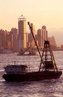 Łodzie i nabrzeże hongkongu