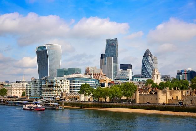 Londyn dzielnicy finansowej skyline square mile