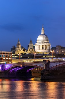 Londyn st paul katedra zachód słońca