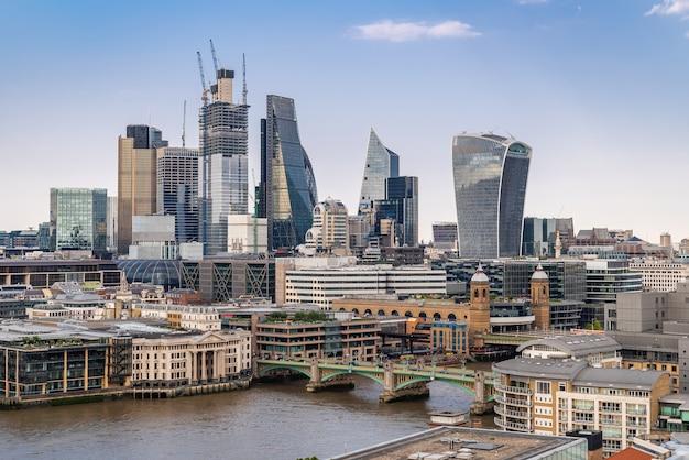 Londyńskie centrum z tamizą