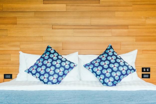 Łóżko poduszki mieszkalnych wystrój pościel