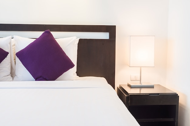 Łóżko poduszki