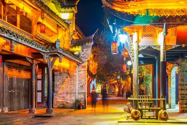 Ludzie azjatyckich słynnego stylu życia turystycznych