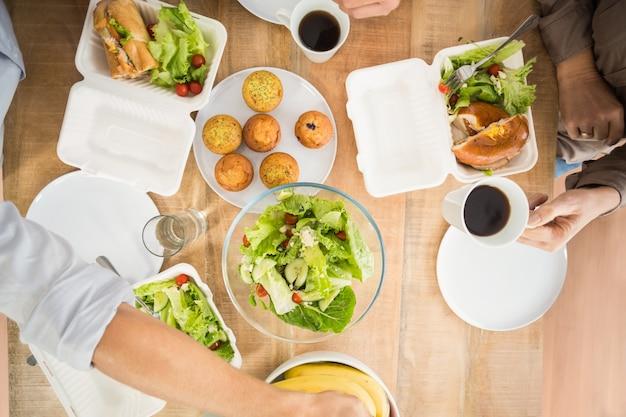 Ludzie biznesu obiad razem
