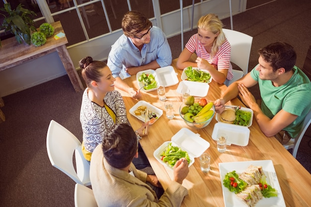 Ludzie biznesu, obiad