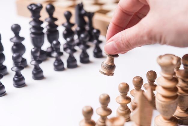 Ludzie grający w szachy