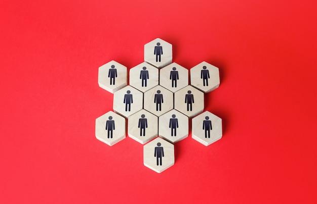 Ludzie połączeni w gwiaździstą strukturę jedność budowanie biznesowego zespołu praca zespołowa współpraca